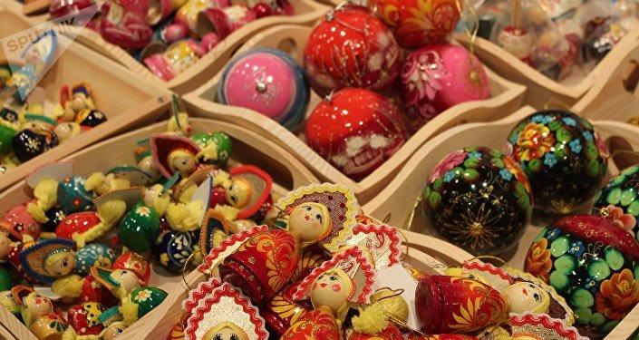 Décorations de Noёl de l'artisanat local