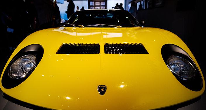 Une Lamborghini