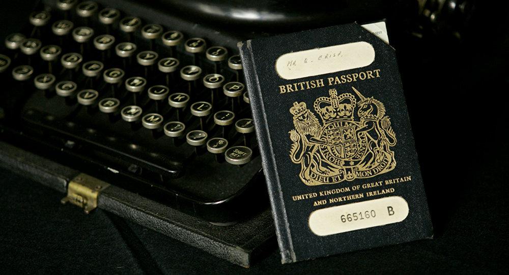 Sacre bleu! Les passeports post-Brexit seront fabriqués en France, la Toile réagit