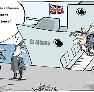 La Royal Navy escorte pendant trois jours une frégate russe