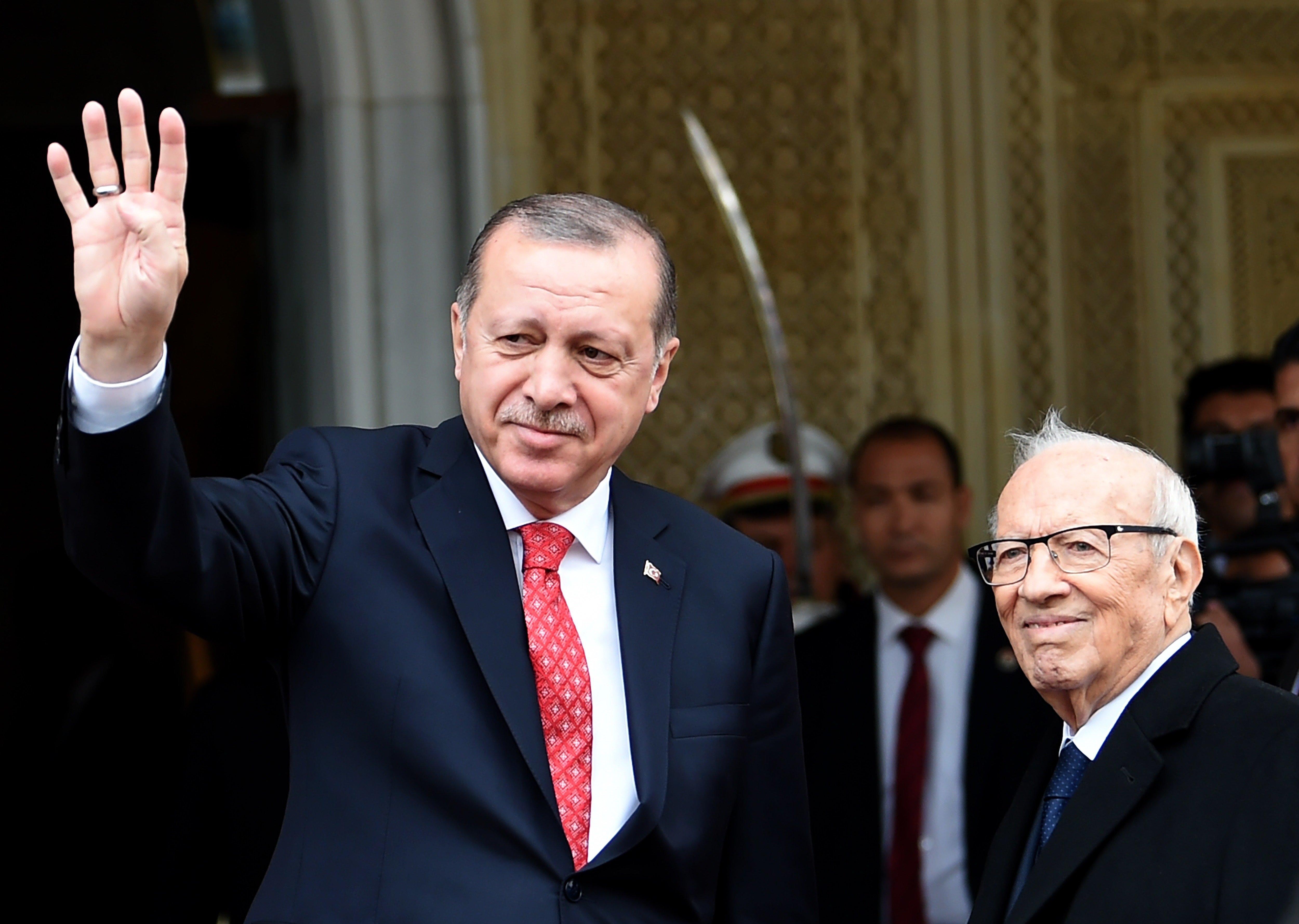 Le président turc Recep Tayyip Erdogan et le Chef de l'État tunisien Beji Caïd Essebsi