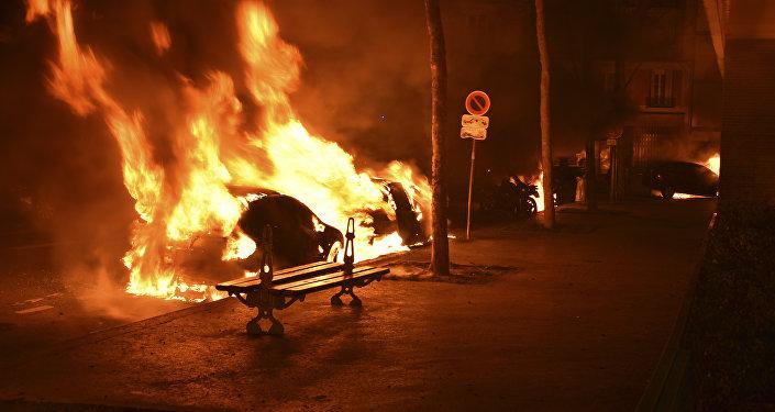 Voitures brûlées, Paris
