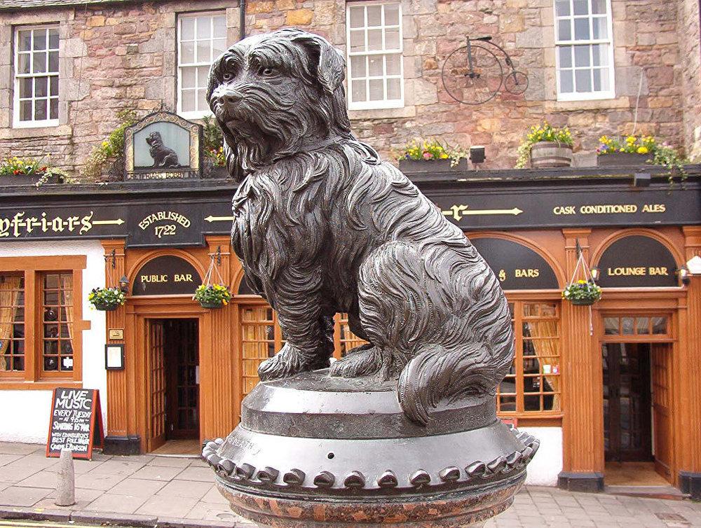 Statue de Greyfriars Bobby à Édimbourg.
