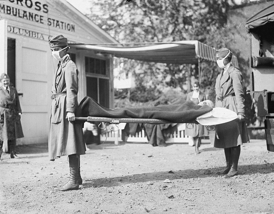 Dans une station de la Croix-Rouge à Washington, pendant la pandémie de grippe de 1918