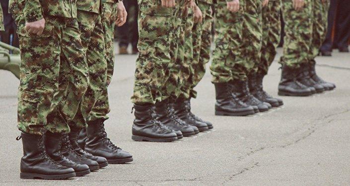 Soldats serbes