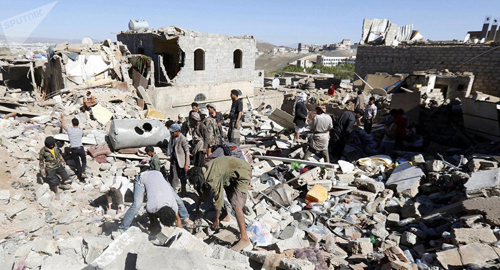 Des maisons détruites au Yémen par les frappes de la coalition dirigée par l'Arabie Saoudite