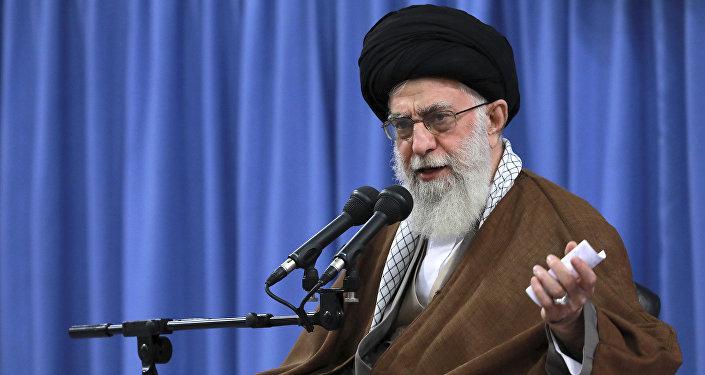 Ali Khamenei, Guide de la révolution