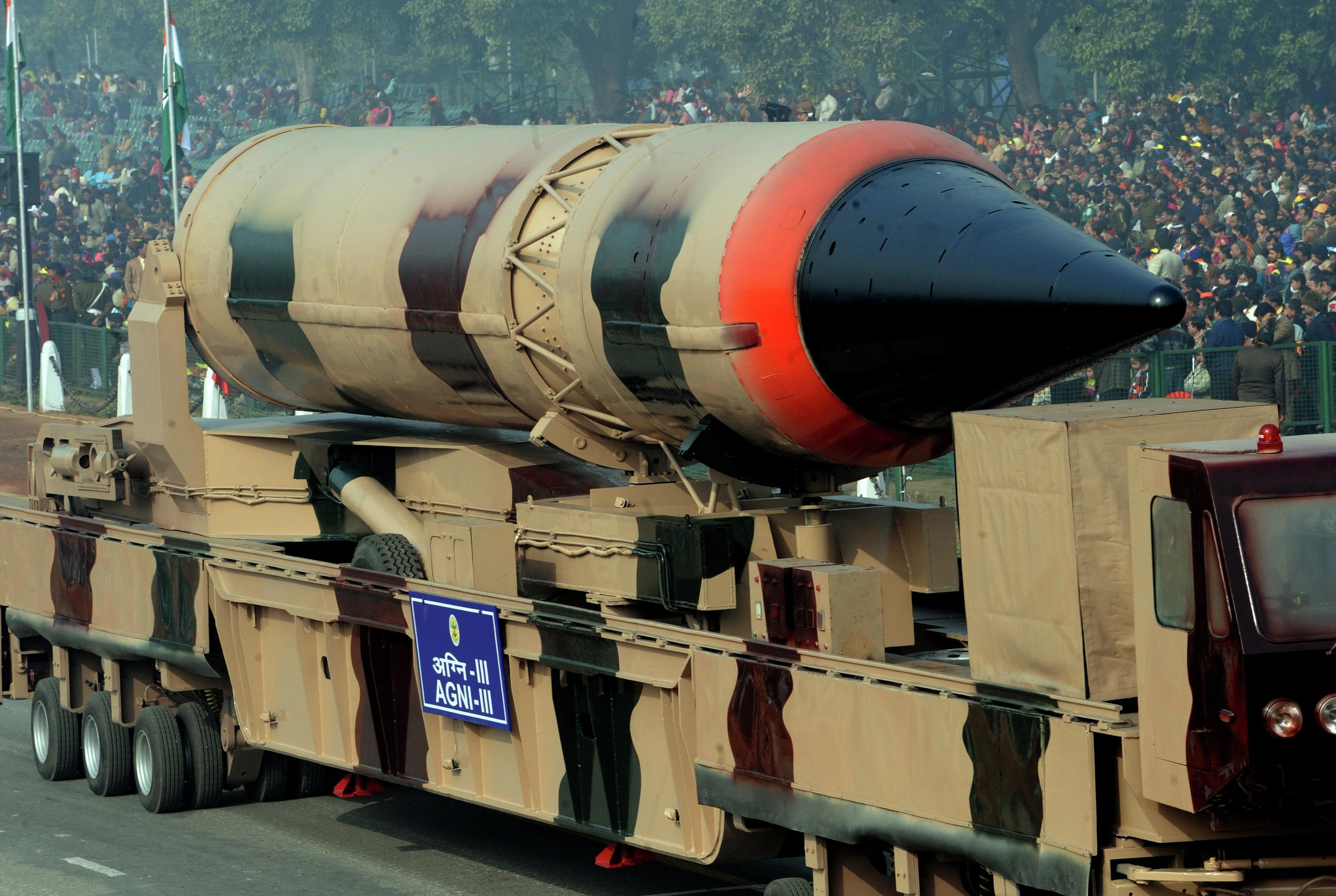 Missile balistique à capacité nucléaire indien Agni II (image d'archives)