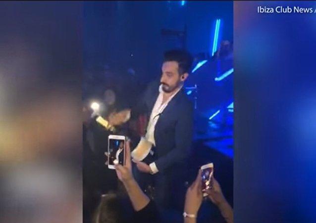 Une soirée champagne sans «pop»: un homme brise une bouteille à 30.000 euros