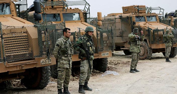 Des forces turques déployées au nord-est d'Afrine, en Syrie