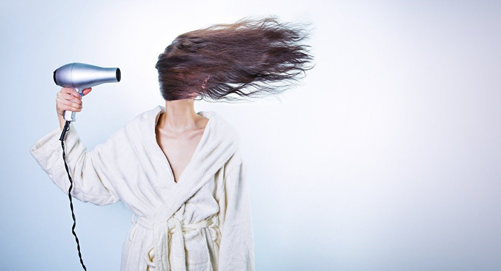 Un sèche-cheveux
