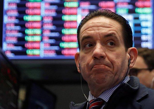 La bulle explose: le marché américain s'effondre, les investisseurs fuient