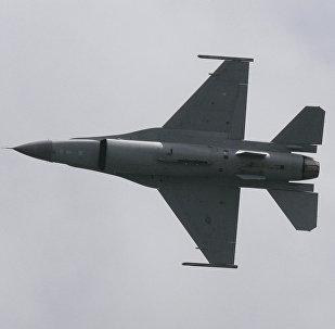 An F-16 Fighting Falcon.