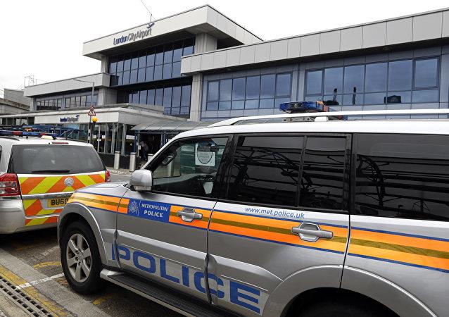 Police près de l'aéroport de Londres-City