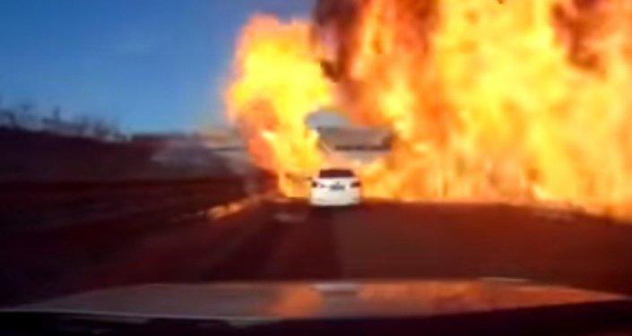 «Mur de flammes»: un camion transportant du gaz liquéfié a pris feu en Chine