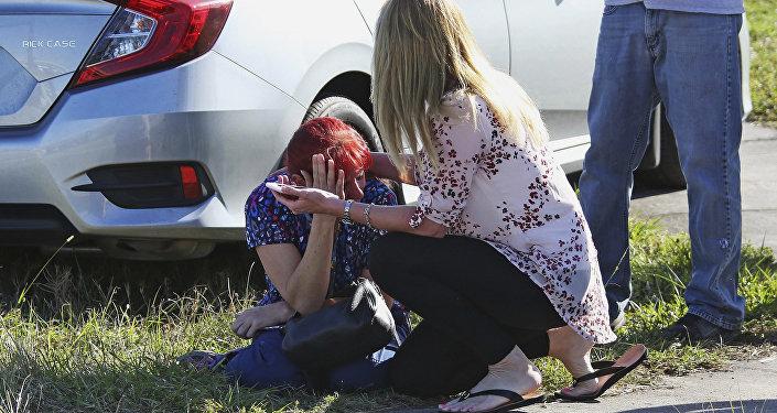Sur les lieux du drame au lycée de Parkland en Floride