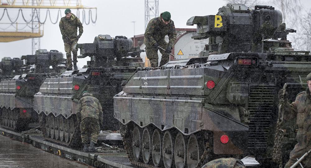 Des véhicules blindés allemands