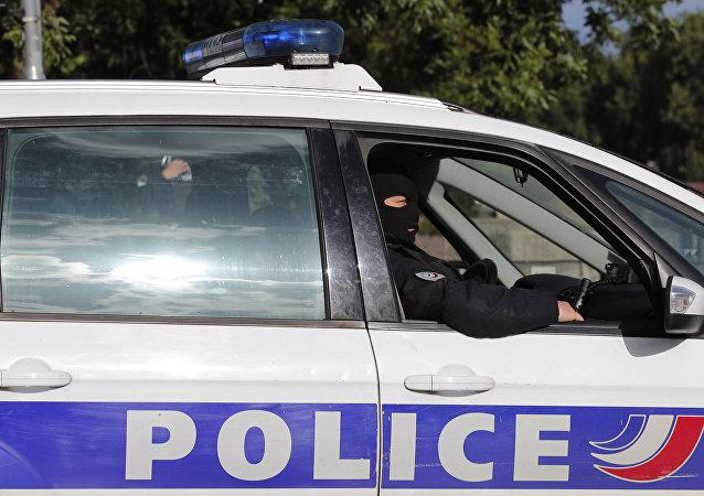 Une voiture de police française