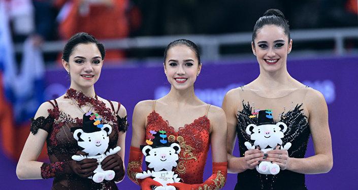 Evguenia Medvedeva, Alina Zagitova et Kaetlyn Osmond
