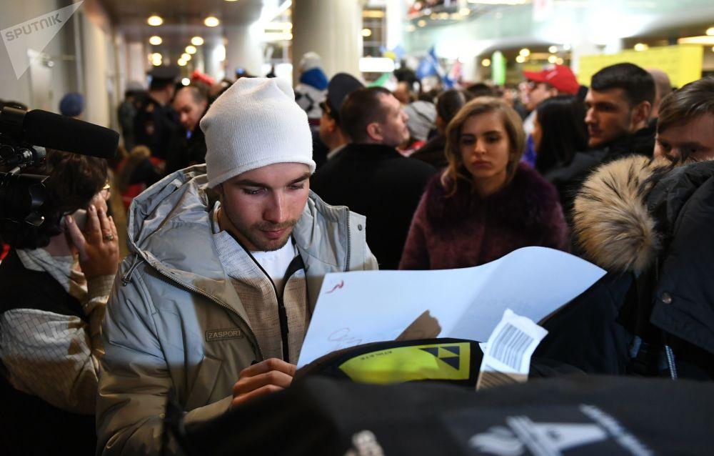 L'accueil des athlètes russes ayant participé aux JO à l'aéroport Cheremetievo de Moscou