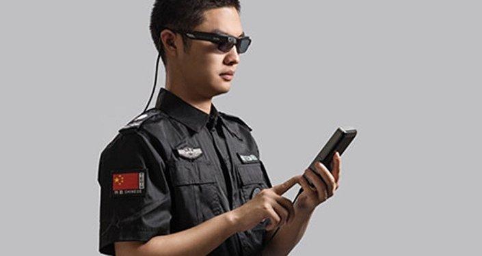 Comment on a ajouté de l'intelligence artificielle aux policiers chinois