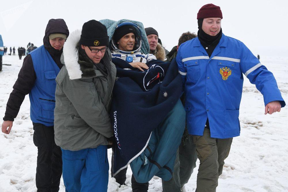Retour des membres de l'équipage de l'expédition ISS-53/54 sur Terre