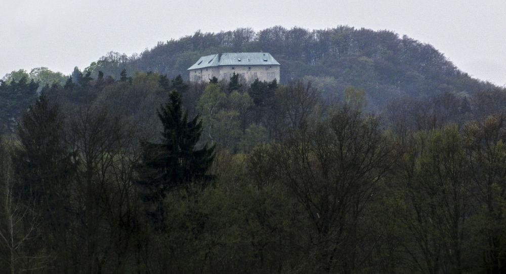 Le château de Houska