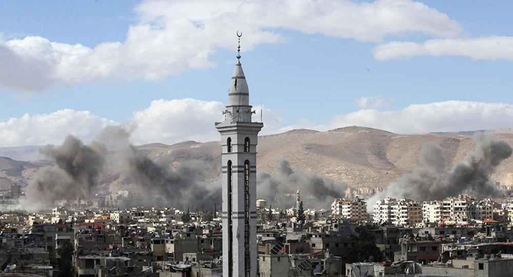 Fumée au-dessus de la Ghouta orientale, en Syrie