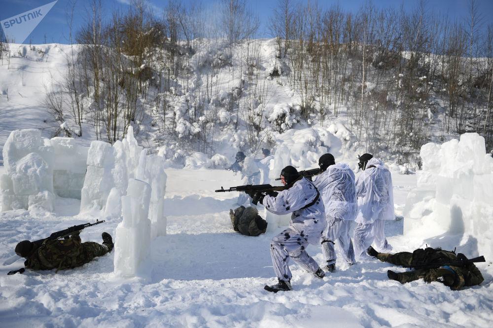 Entraînement au combat des plongeurs de la force spéciale de la Garde nationale russe