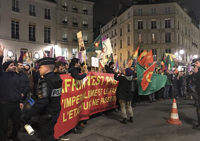 Une manifestation pro-kurde à Paris