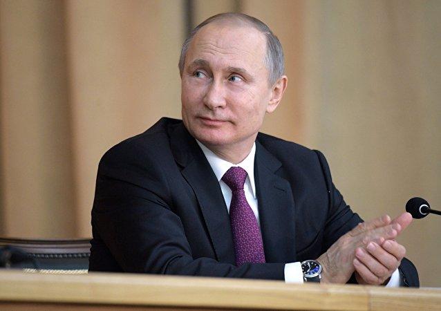 Президент РФ Владимир Путин на торжественном заседании в честь 295-летия российской прокуратуры