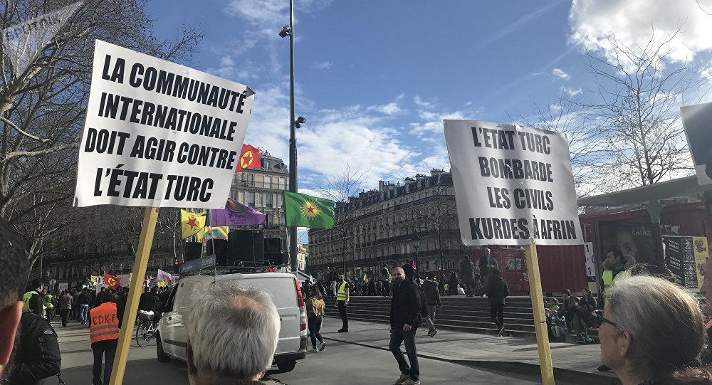 Manifestation pro-kurde à Paris