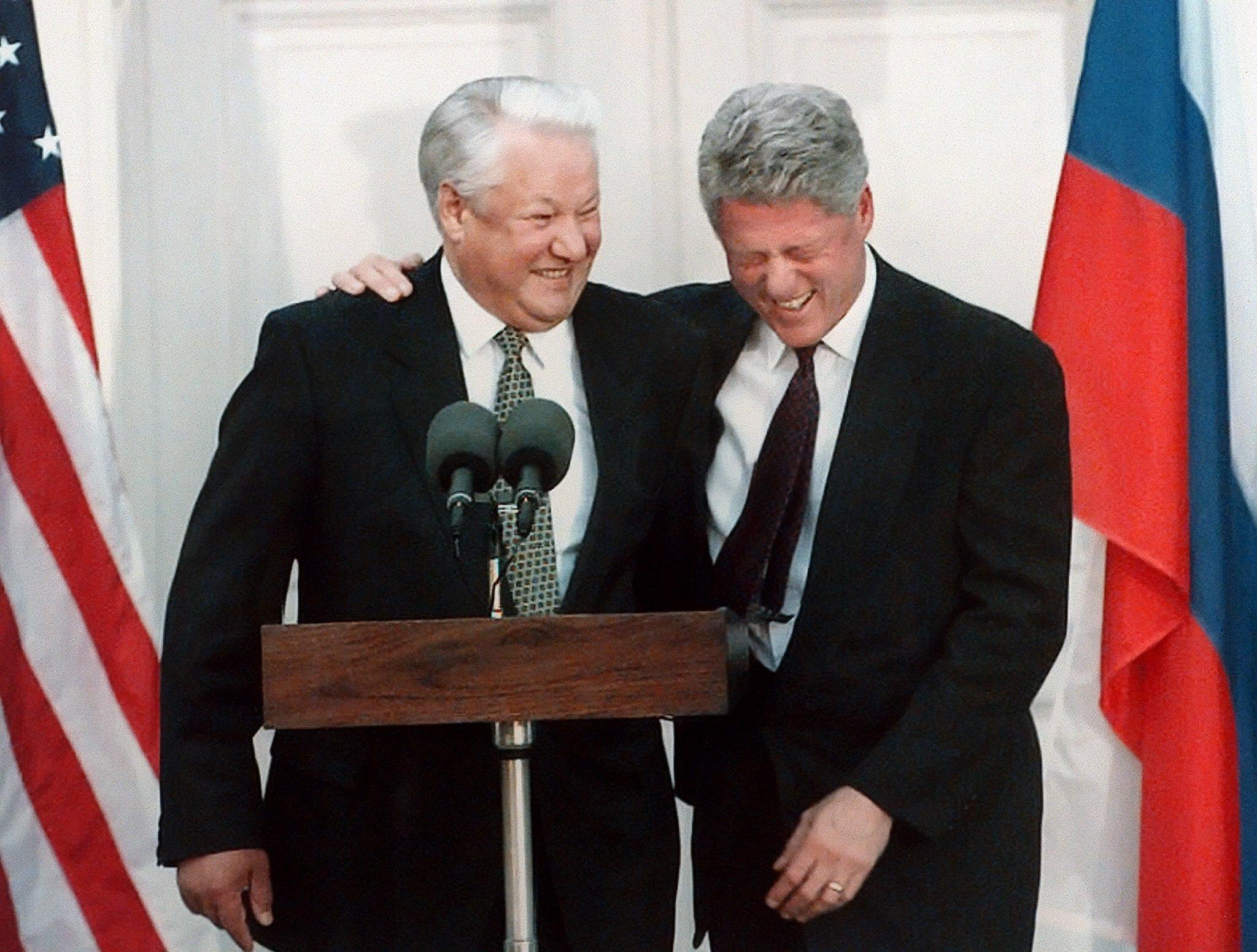Le Président américain Bill Clinton avec le Président russe Boris Eltsine, octobre 1995