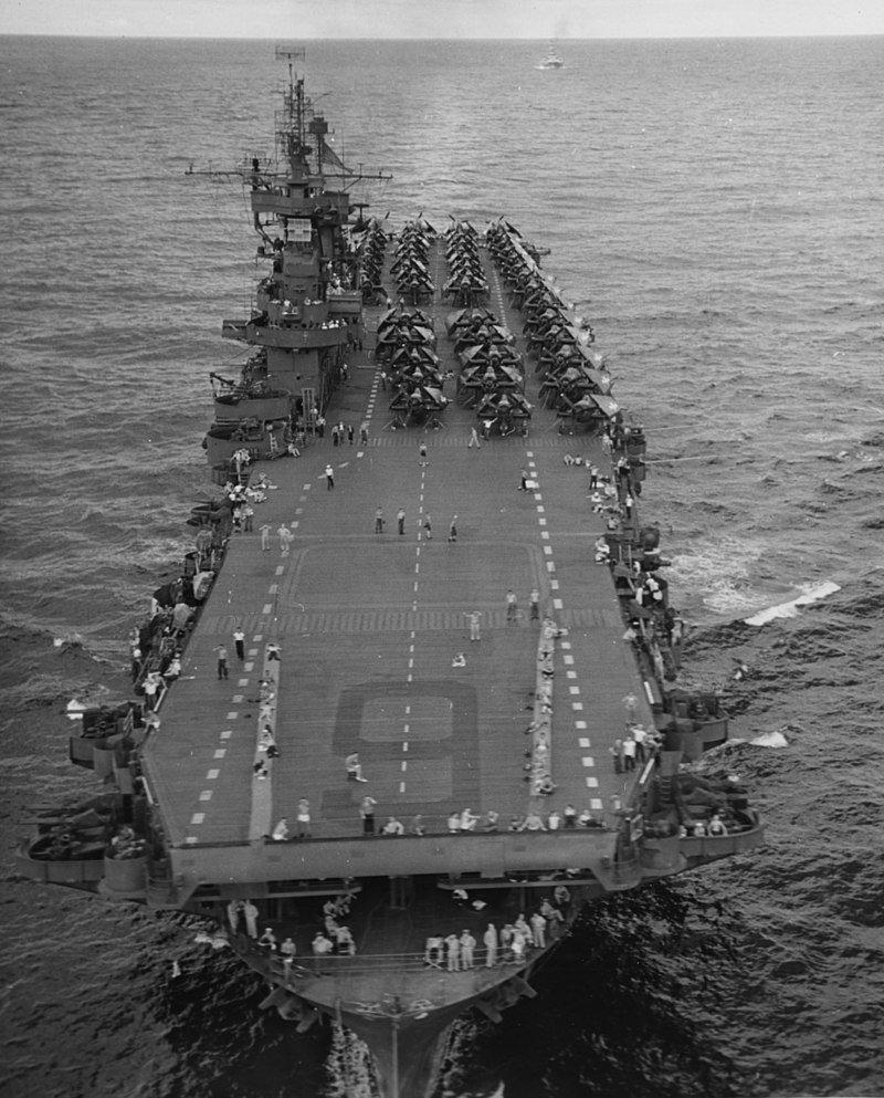 L'Enterprise le 10 octobre 1945.