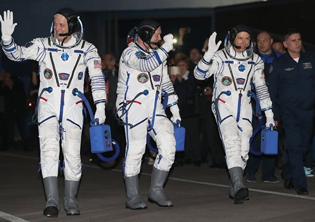 En route vers les étoiles: le nouvel équipage de l'ISS part pour l'espace