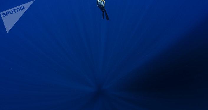 В каком океане находится Марианская впадина?