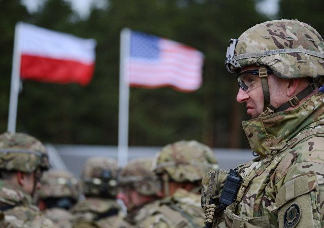 Drapeau américain et polonais