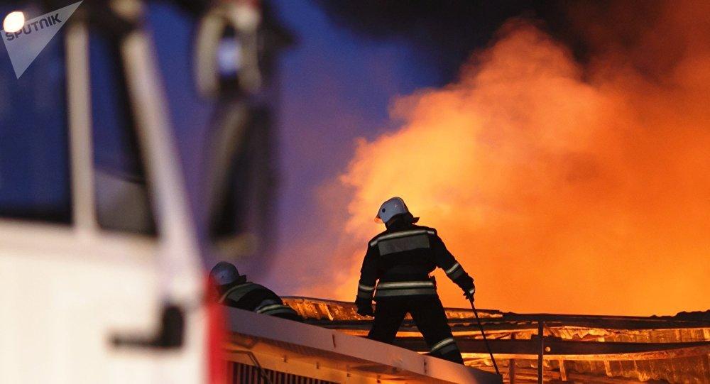 Un incendie d'envergure ravage un magasin de meubles dans la ville russe d'Irkoutsk (image d'illustration)