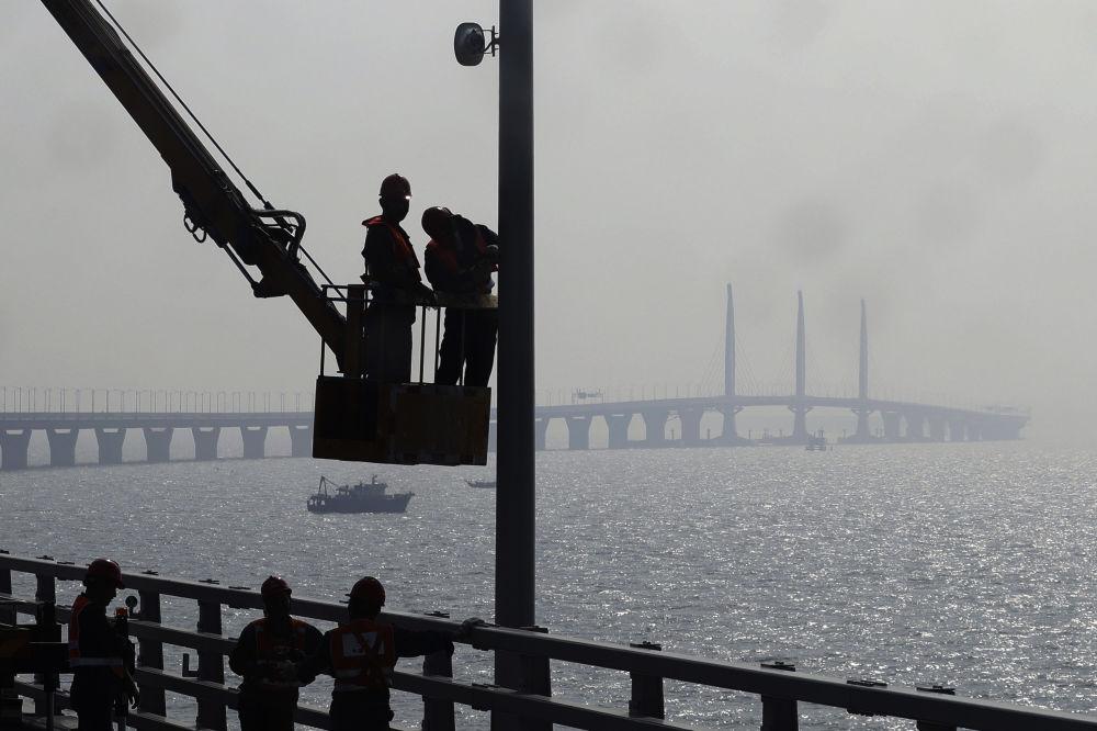 Le plus long pont maritime au monde sera ouvert en Chine