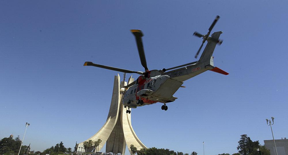Un hélicoptère de l'armée algérieene