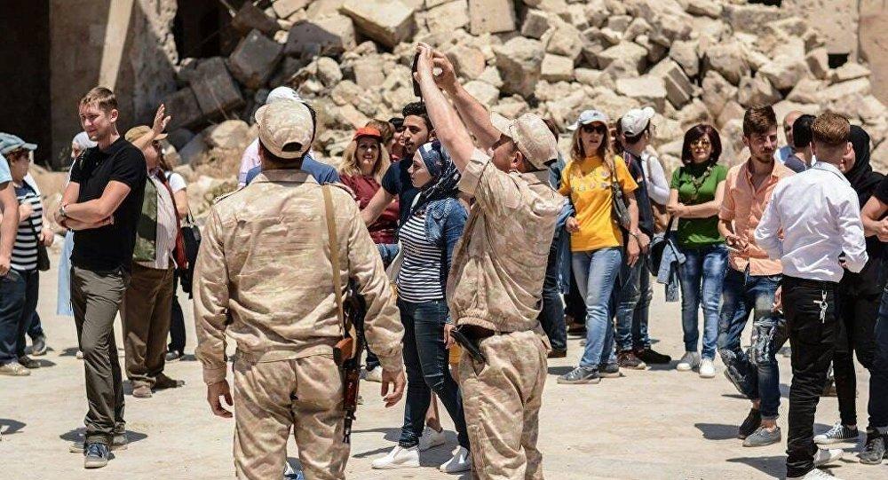 Touristes à Alep