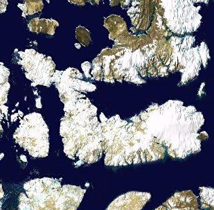Photo satellite de l'île Devon et des îles environnantes