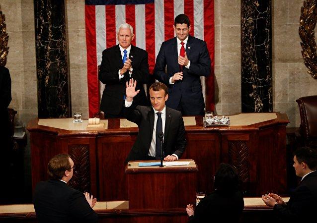 Après sa Bromance avec Trump, Macron fait rêver les démocrates au Congrès