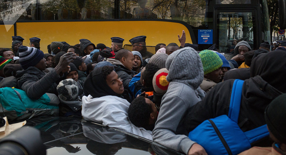 Evacuation d'un camp de migrants à Paris
