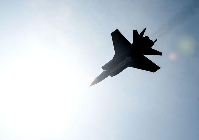 Un MiG-31 russe porteur de missiles hypersoniques Kinjal