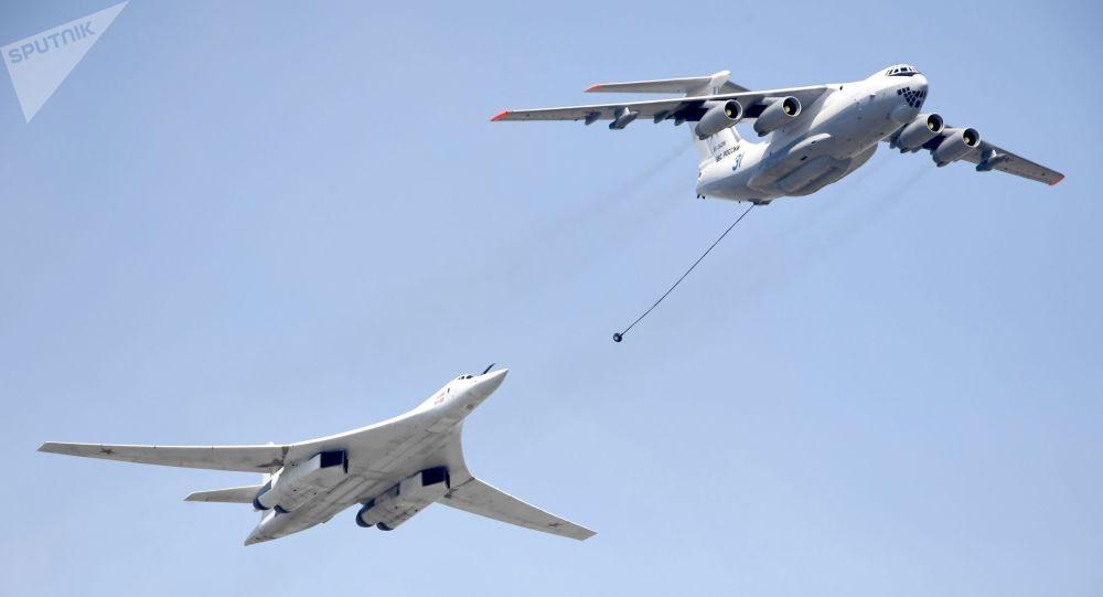 Il-78 et Tu-160