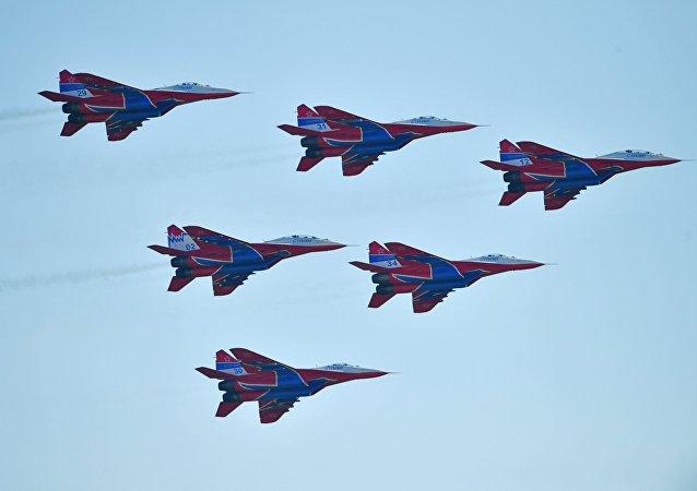 Les MiG-29 du groupe de voltige aérienne russe Striji