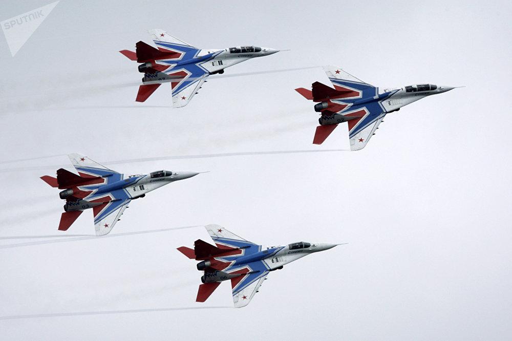 Les MiG-29 du groupe de voltige aérienne Striji