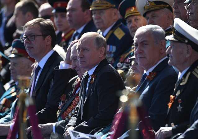 Aleksandar Vucic, Vladimir Poutine et Benjamin Netanyahu