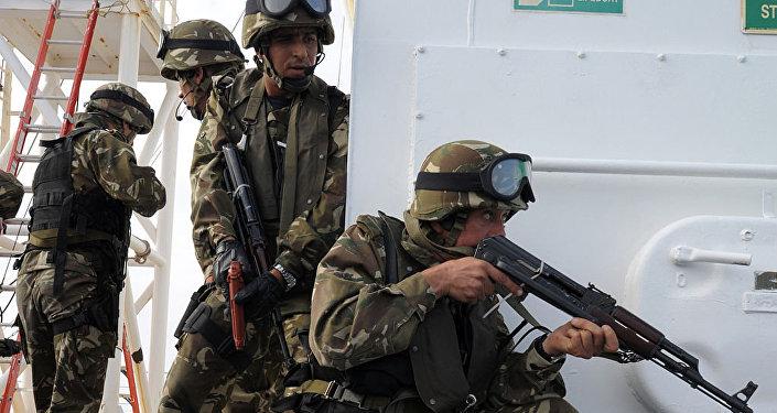 Des soldats de l'armée algérienne